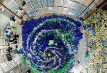 L'inquinamento dell'acqua e le sirene che odiano la plastica