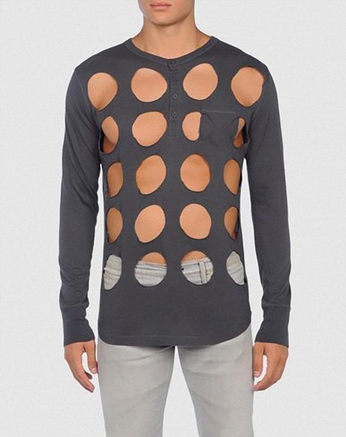 vestiti strani: un pò di maglietta intorno a dei buchi