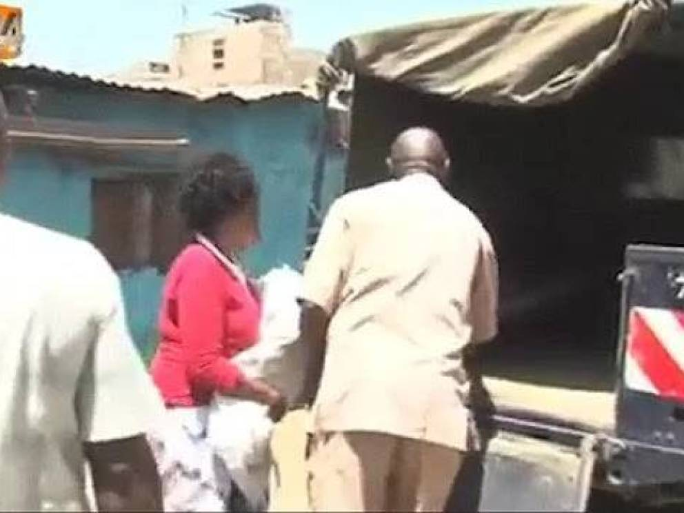 Irene Mbithe e il figlio deceduto dopo l'esorcismo