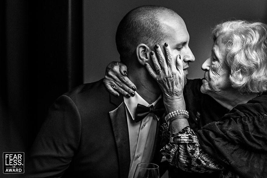 best-wedding-photos-2017-fearless-awards-27-59e4517a63562__880