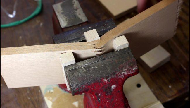 anelli di bigiotteria in legno
