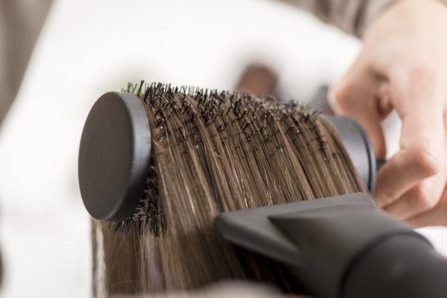 asciugacapelli: usare la giusta spazzola è fondamentale