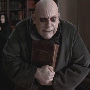 Famiglia Addams, Cristopher lloyd nella parte di Zio Fester