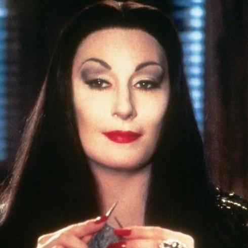 La Famiglia Addams, Angelica Huston, Morticia Addams