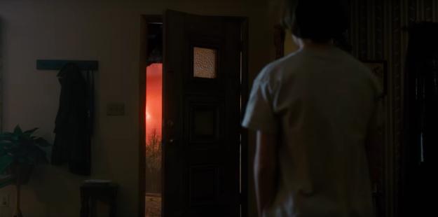 Stranger things 2: cieli rossi e senso di ignoto per il nuovo teaser